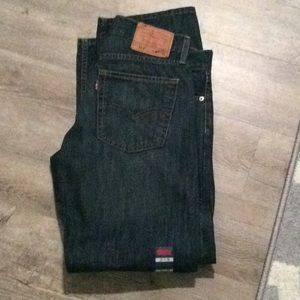 Brand New Men's Levis has tags size 32x30